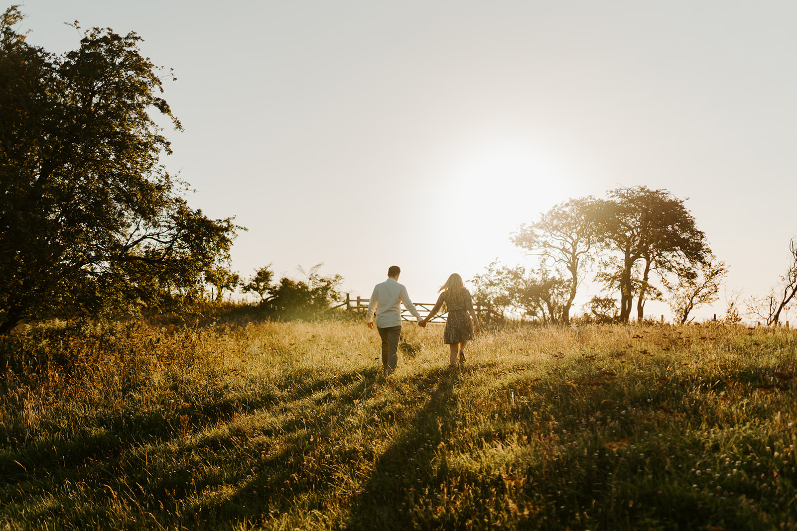 engagement-couples-session-sunset-golden-hour-at-broadway-tower