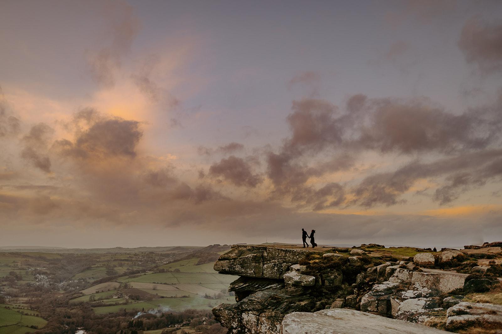 engagement-couples-session-golden-hour-peak-district-cliff-edge