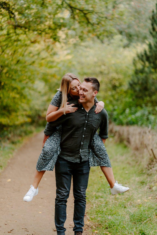 Couples engagement shoot in Oxfordshire Arboretum