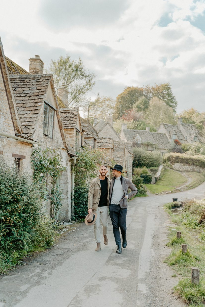 Same sex couples lifestyle blogger shoot in Bibury The Cotswolds